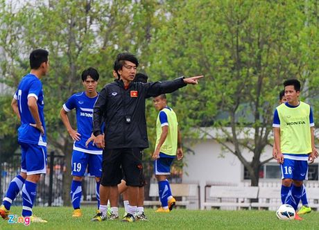 HLV Miura loai 7 cau thu truoc vong loai U23 chau A - Anh 1