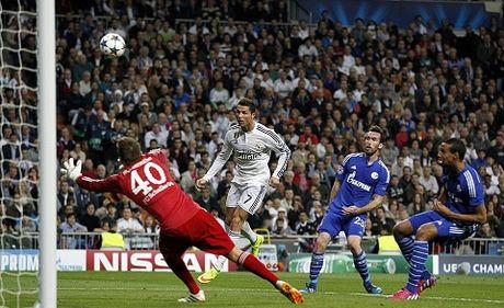 Thua Schalke, Ronaldo tuyen bo cach mat voi bao chi toi cuoi mua - Anh 2