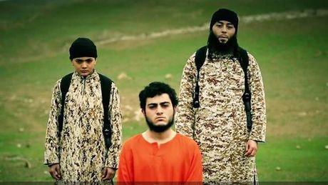 IS tung video thieu nien 12 tuoi hanh quyet mot cong dan Israel - Anh 1