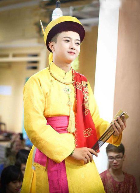 """Dan mang """"phat sot"""" voi """"my nam hau dong"""" - Anh 4"""