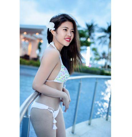 "Ve dep nong bong cua nu DJ ""troi chan"" cau thu Viet Thang - Anh 19"