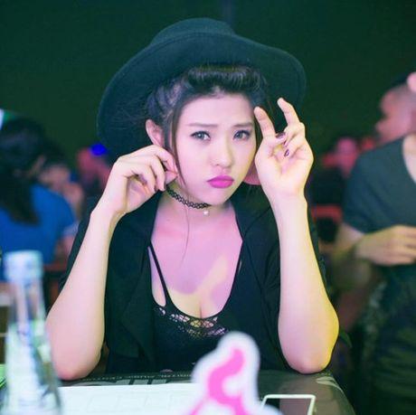 "Ve dep cua nu DJ ""don tim"" cuu cau thu Viet Thang - Anh 6"