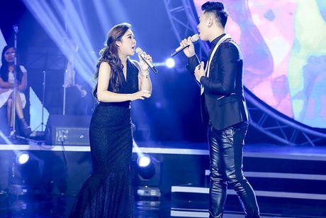Tung Duong gap su co truoc gio len san khau BHYT - Anh 7