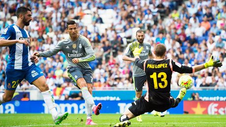 Chu tich Perez co vu Cristiano Ronaldo pha ki luc cua Raul - Anh 1