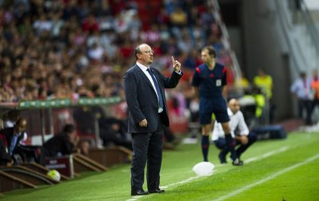 HLV Benitez 'vua danh, vua xoa' Ronaldo - Anh 1