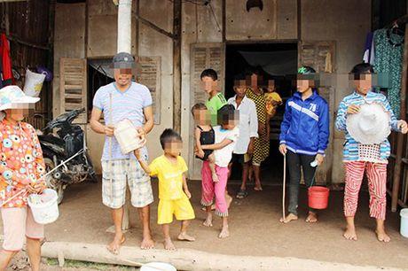 Nguoi phu nu 16 lan sinh con o mien Tay - Anh 2