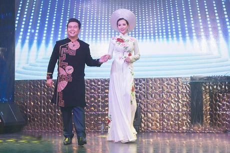 Hoa hau Thu Hoai lam vedette trong show thoi trang tu thien - Anh 6