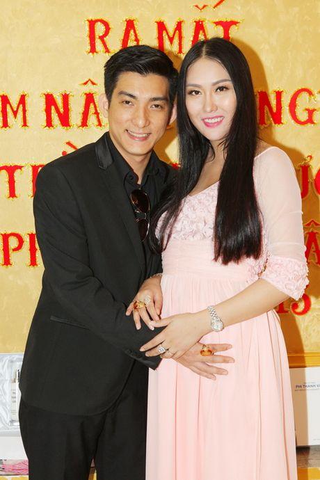 "Vo chong Phi Thanh Van hanh phuc sau nghi an ""bau gia"" - Anh 5"