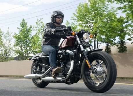 Harley Davidson VN day manh ban mau xe cho nguoi co voc dang nho - Anh 4