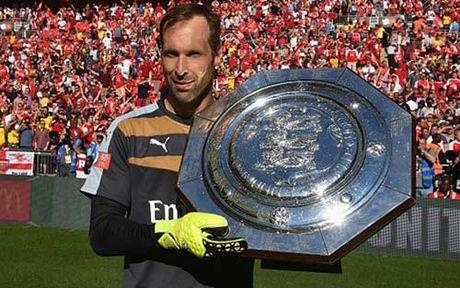 Petr Cech tro lai Stamford Bridge: Ngap tran cam xuc - Anh 2