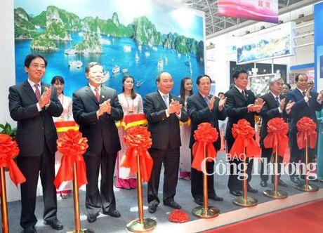 CAEXPO 2015: Khu gian hang Viet Nam co quy mo lon nhat trong cac nuoc ASEAN - Anh 1