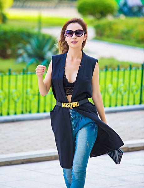 Hoa hau Jennifer Pham tao bao dien mot khoe noi y dao pho - Anh 3
