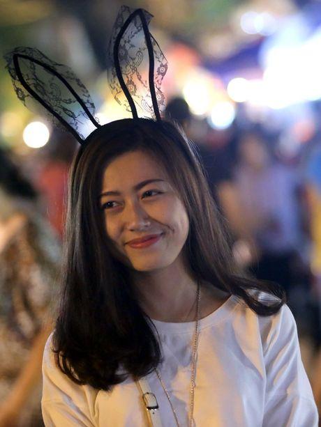 Hot girl di cho trung thu Hang Ma - Anh 11