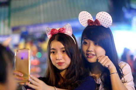 Hot girl di cho trung thu Hang Ma - Anh 14