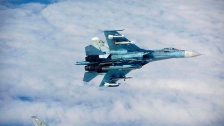 Quan chuc My: Phi doi Su-27 cua Nga da co mat o Syria - Anh 1