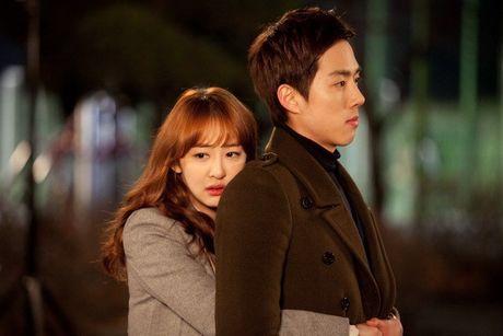Kim Da Som (Sistar) vuong tinh tay ba trong phim - Anh 1