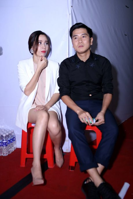 Ho Hoai Anh an can cham soc vo truoc gio len song - Anh 2