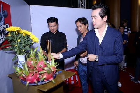 Ho Hoai Anh an can cham soc vo truoc gio len song - Anh 4