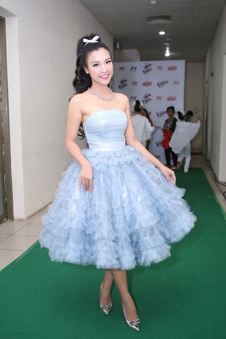 Ho Hoai Anh an can cham soc vo truoc gio len song - Anh 7