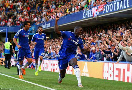 Arsenal guc nga trong tran dai chien voi Chelsea - Anh 11