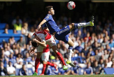 Arsenal guc nga trong tran dai chien voi Chelsea - Anh 3