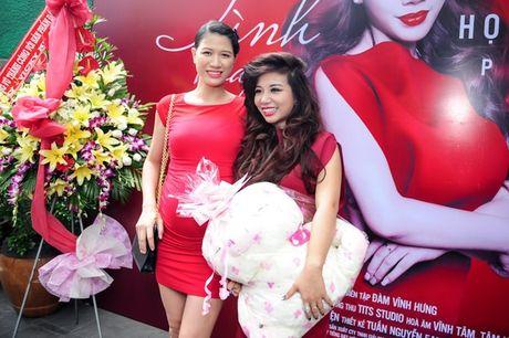 Trang Tran lan dau xuat hien voi bung to vuot mat - Anh 6