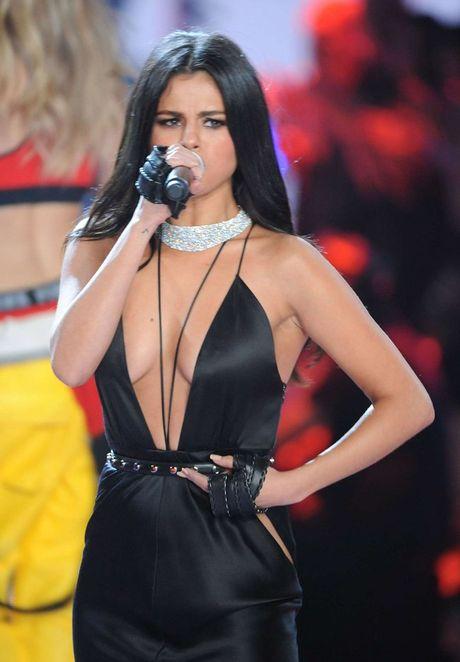 Tuyet ky de co net quyen ru toa sang cua Selena Gomez - Anh 11