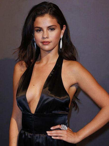 Tuyet ky de co net quyen ru toa sang cua Selena Gomez - Anh 16