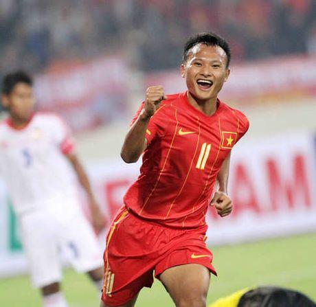 Trong Hoang chuc may man den Tuan Anh, Cong Phuong, Xuan Truong - Anh 1
