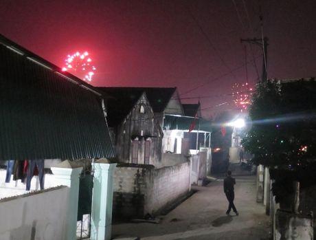 Nghe An: CVP UBND huyen Dien Chau len tieng viec de phao no tran lan - Anh 3