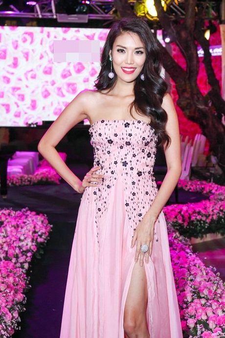 Linh Nga, Lan Khue do sac voc nuot na trong cung su kien - Anh 3