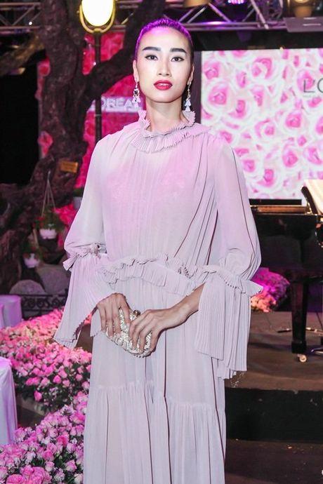 Linh Nga, Lan Khue do sac voc nuot na trong cung su kien - Anh 5