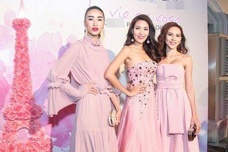 Linh Nga, Lan Khue do sac voc nuot na trong cung su kien - Anh 7