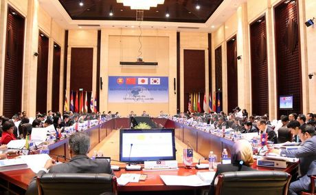 Tim bien phap tang cuong hop tac tai chinh khu vuc ASEAN+3 - Anh 1