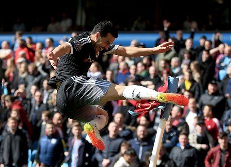 Pato tu kiem pen tu sut phat den trong tran dau ra mat Chelsea - Anh 12