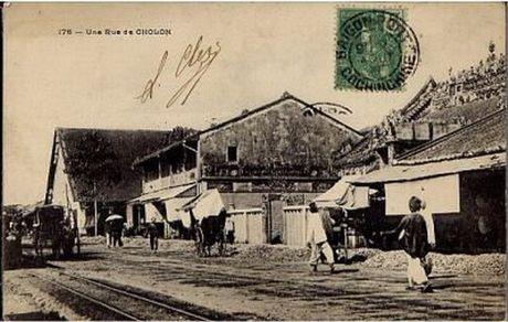 Ngam Cho Lon thoi thuoc dia trong buu thiep tram tuoi - Anh 8