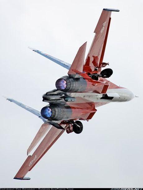 Kinh di canh tiem kich Su-30 bay sat sat mat dat - Anh 10