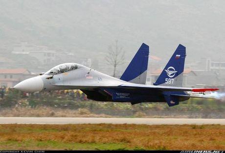 Kinh di canh tiem kich Su-30 bay sat sat mat dat - Anh 2