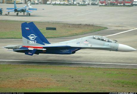 Kinh di canh tiem kich Su-30 bay sat sat mat dat - Anh 3