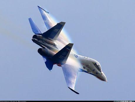 Kinh di canh tiem kich Su-30 bay sat sat mat dat - Anh 9