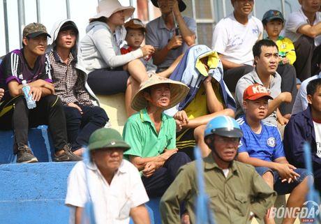 Khan gia Binh Phuoc doi nang tiep lua thay tro Minh Phuong - Anh 7