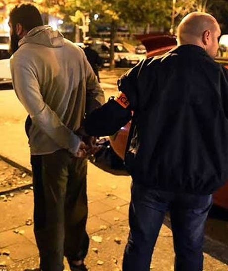 Bat duoc nghi pham thu 3 len ke hoach tan cong Paris - Anh 3