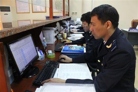 Hai quan Quang Ninh thu ngan sach dat hon 2.213 ty dong - Anh 1
