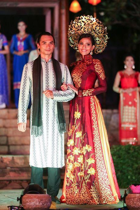 Truong Thi May trinh dien lai ao dai tung thi Miss Universe 2013 - Anh 11