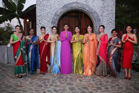 Truong Thi May trinh dien lai ao dai tung thi Miss Universe 2013 - Anh 4