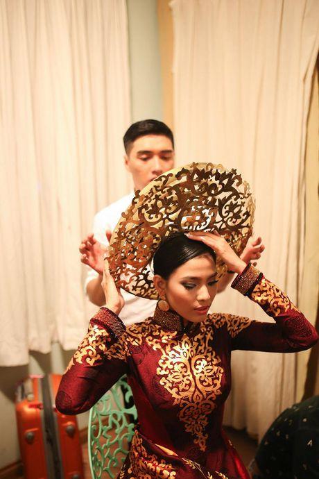 Truong Thi May trinh dien lai ao dai tung thi Miss Universe 2013 - Anh 5