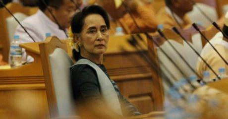 Ba Suu Kyi 'quyen nhu thu tuong' - Anh 1