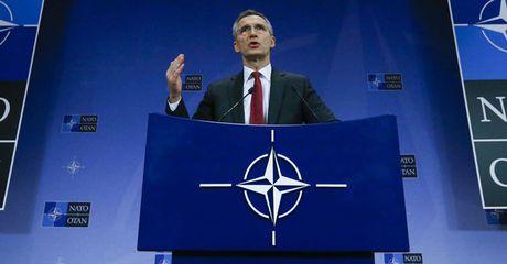 "Dua ra ""moi de doa Nga"" chi la cai co de NATO trien khai vu khi sat nach Nga - Anh 1"