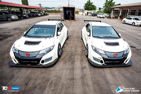 "Honda Civic hatchback cuc ""ngau"" voi phien ban duong dua - Anh 3"