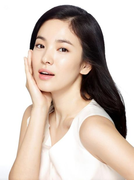 Choang voi khoi tai san khong lo cua 2 'ngoc nu man anh' Song Hye Kyo va Ton Le - Anh 3
